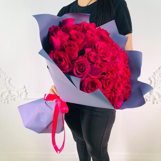 Букет из 35 роз Эквадора Пинк Флойд(коробка конфет в подарок, условие в описании)