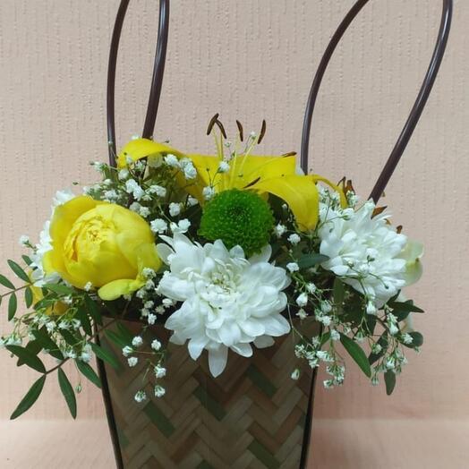 Цветы в коробке Лилии
