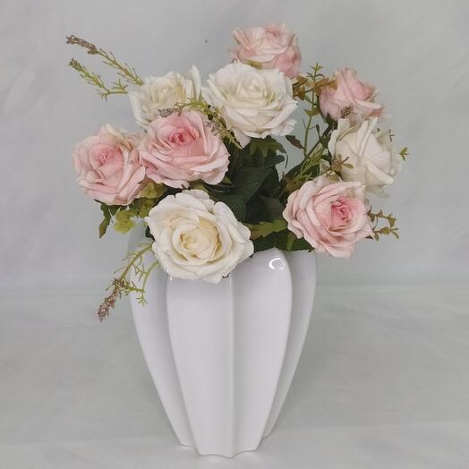 Декоративная ваза, цвет белый и голубой высота 22см
