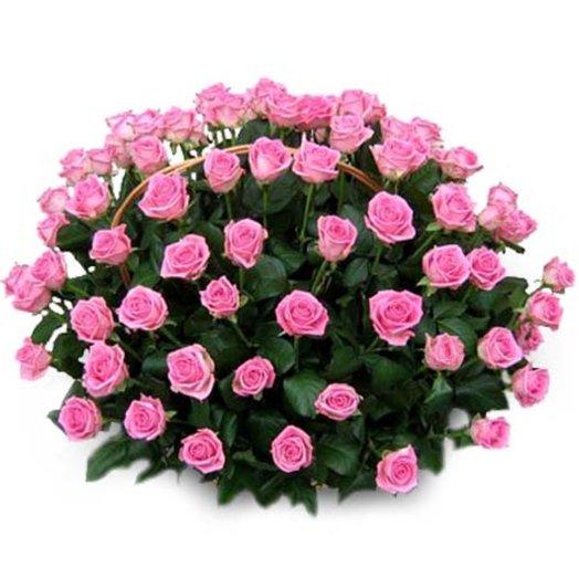 Корзина из 101-й розовой розы: букеты цветов на заказ Flowwow