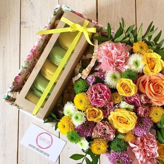 Коробка с макарунами 5: букеты цветов на заказ Flowwow