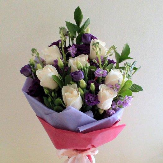 Букет с белыми розами