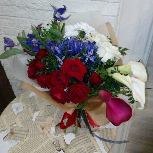Российский флаг: букеты цветов на заказ Flowwow
