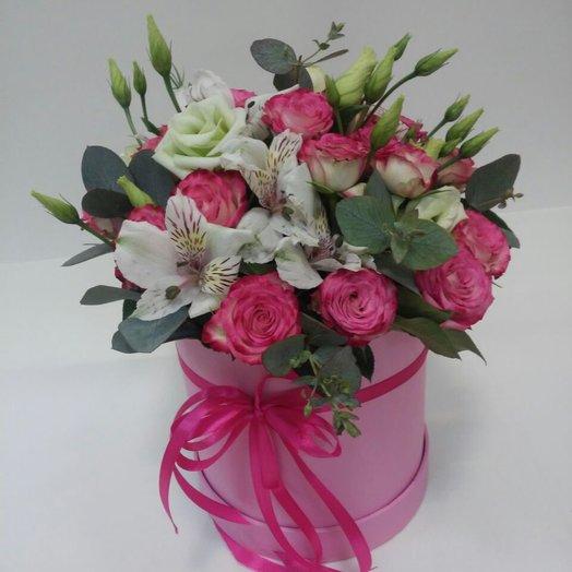 Шляпная коробка Восторг: букеты цветов на заказ Flowwow