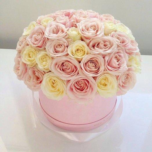 Нежная Шляпная коробка 51 роза: букеты цветов на заказ Flowwow