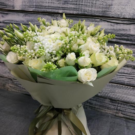 Белый ароматный букет с сиренью: букеты цветов на заказ Flowwow