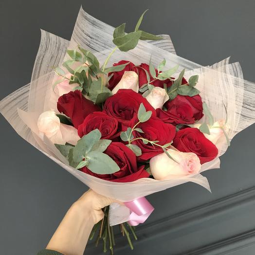 Розы и эвкалипт 😍💕: букеты цветов на заказ Flowwow