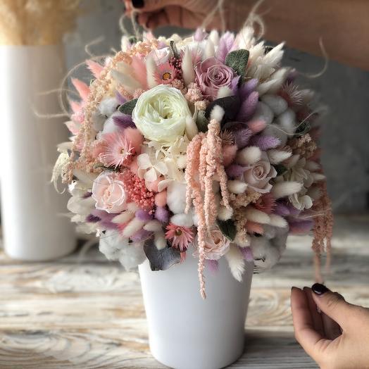 Изящная интерьерная композиция из не вянущих натуральных растений и сухоцветов: букеты цветов на заказ Flowwow