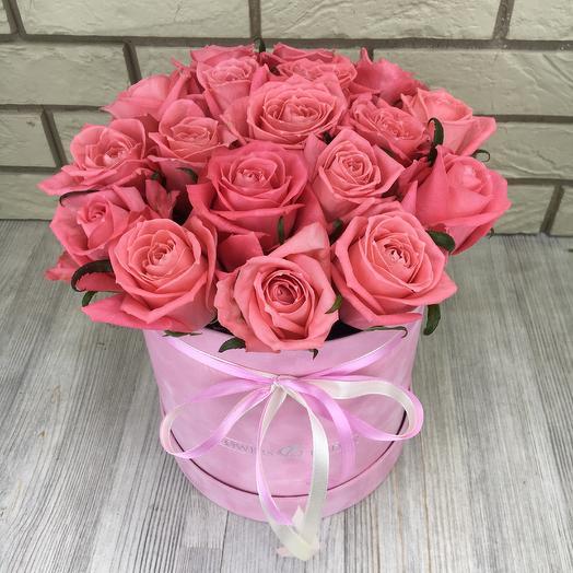 19 роз в бархатной коробке: букеты цветов на заказ Flowwow