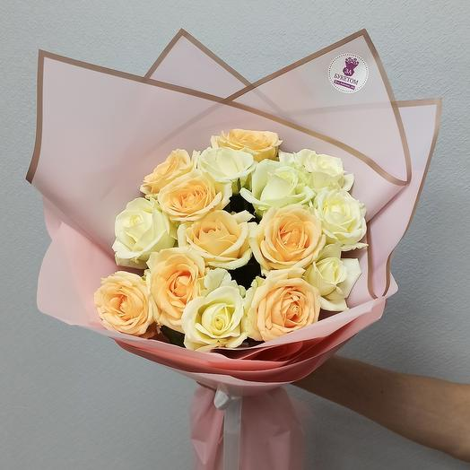 Bouquet of 15 white and peach roses
