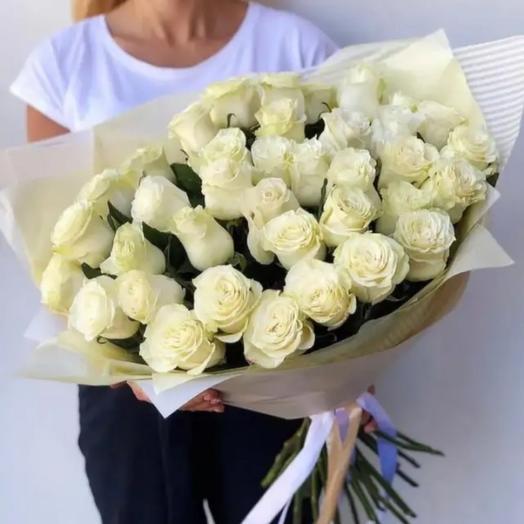 25 белоснежных роз