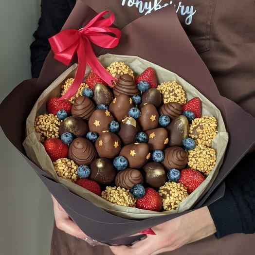 Клубничный букет молочный и темный шоколад