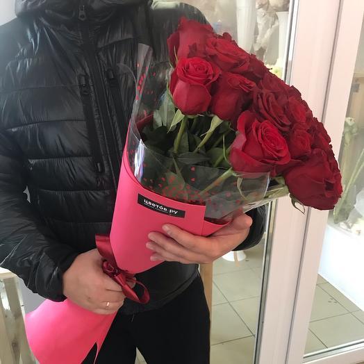 Букет из 25 красных роз 70см
