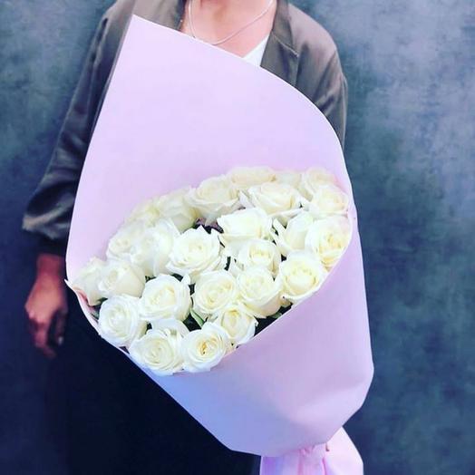 Букет 25 белых роз 60 см