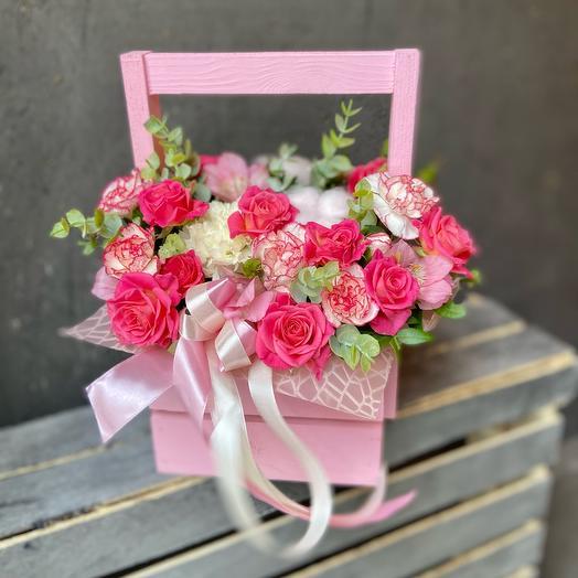 Корзина с цветами «Розовая»