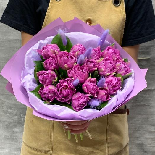 Пионовидные тюльпаны с колосьями лагуруса