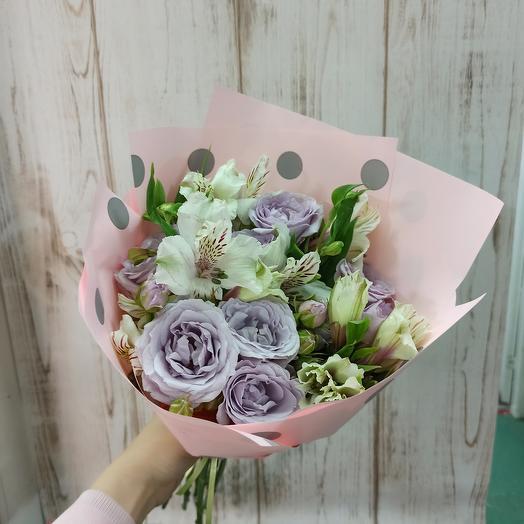 Букет с ароматной розой и альстромерией