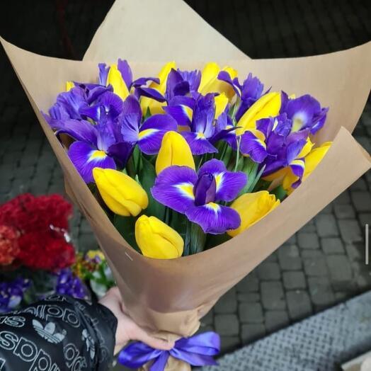 Букет «Тюльпаны-ирисы»