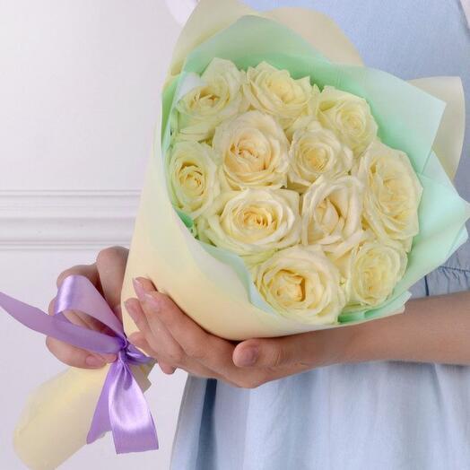 Букет комплимент  из 11 роз кения  40 см