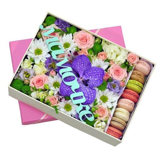 Коробка Мамочке: букеты цветов на заказ Flowwow