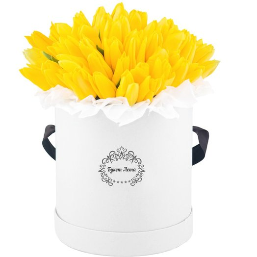 Тюльпаны 51 штука в средней шляпной коробке: букеты цветов на заказ Flowwow