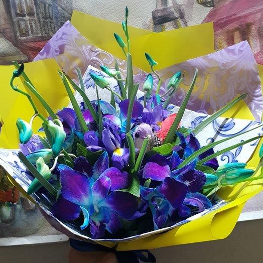 Русские тропики мини из ириса и орхидеи от Floristic World : букеты цветов на заказ Flowwow