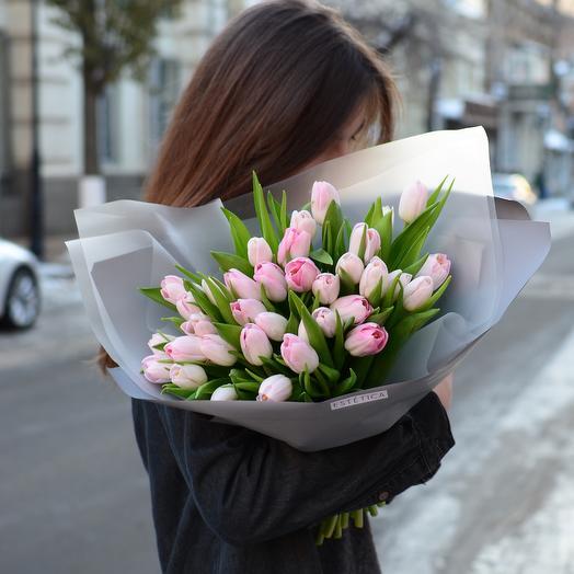 Охапка хрустящих тюльпанов: букеты цветов на заказ Flowwow
