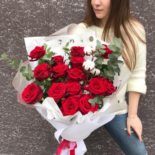 Стиль в красных тонах: букеты цветов на заказ Flowwow