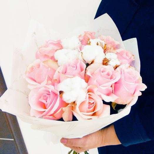 Букет из роз и хлопка