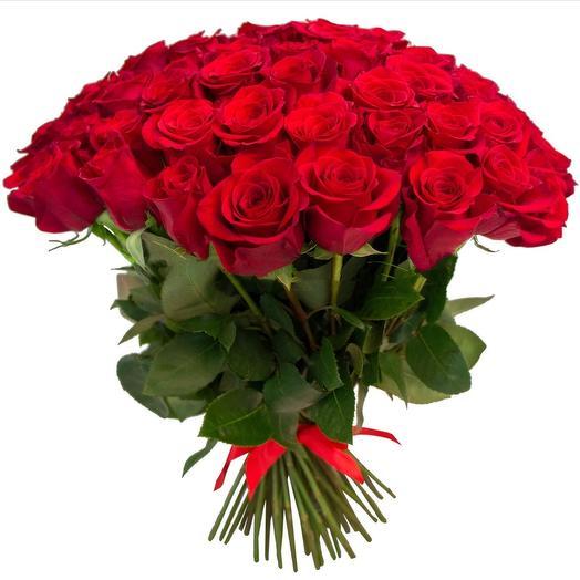 50 красных роз: букеты цветов на заказ Flowwow