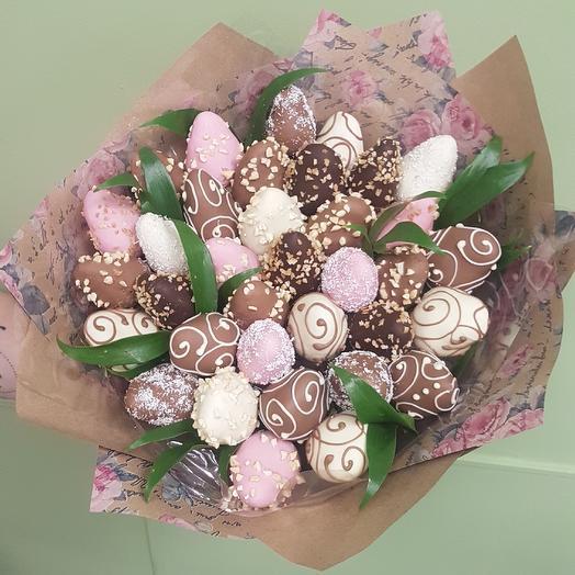 """Клубника в шоколаде  """"Ажурный"""" с орешками: букеты цветов на заказ Flowwow"""