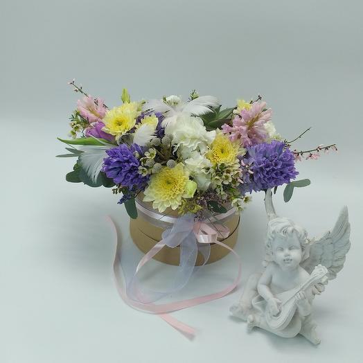Цветочная композиция с гиацинтами: букеты цветов на заказ Flowwow