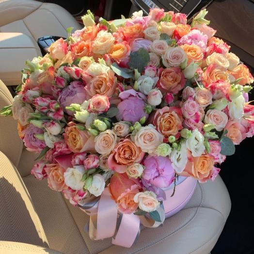 Цветы в огромной коробке: букеты цветов на заказ Flowwow