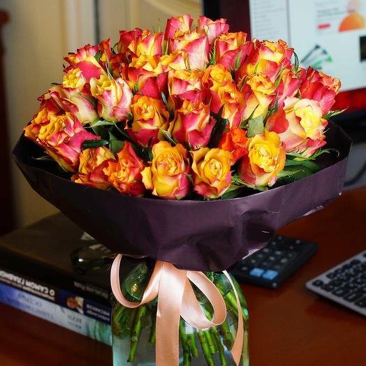 Букет из 51 розы Даун Таун
