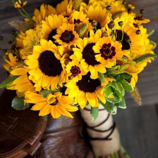 Подсолнухи разных размеров 29 шт: букеты цветов на заказ Flowwow