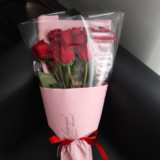 11  эквадорских роз