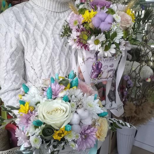 Сухоцветы с живыми цветами в плайм коробке