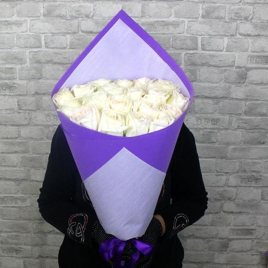 Букет из 19 ароматных роз White O hara
