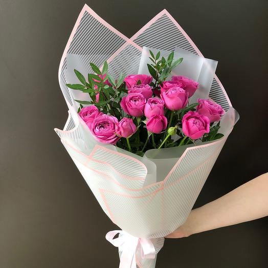 Букет из пионовидной розы