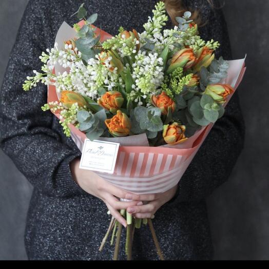 Сирень и пионовидные тюльпаны 👌