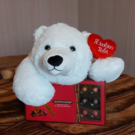 Медвежонок Bigga с конфетами