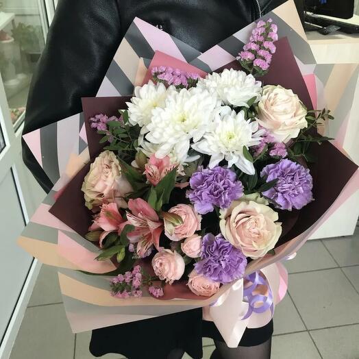 Букет сборный диантус и кустовая роза