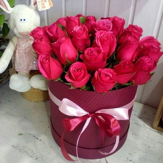 розы розовые в коробке