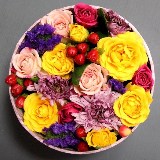 """Коробочка с цветами """"Яркое настроение"""": букеты цветов на заказ Flowwow"""