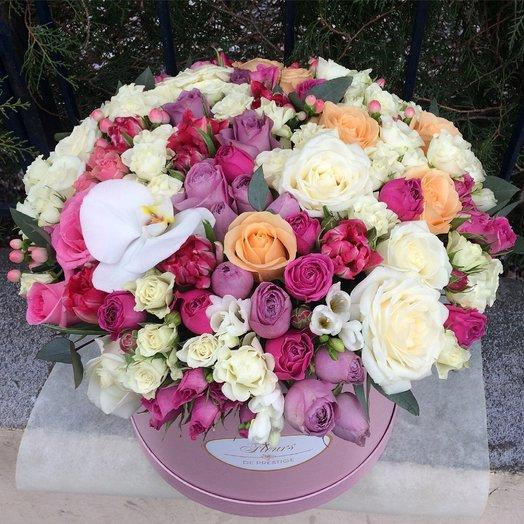 Большая коробка с цветами: букеты цветов на заказ Flowwow