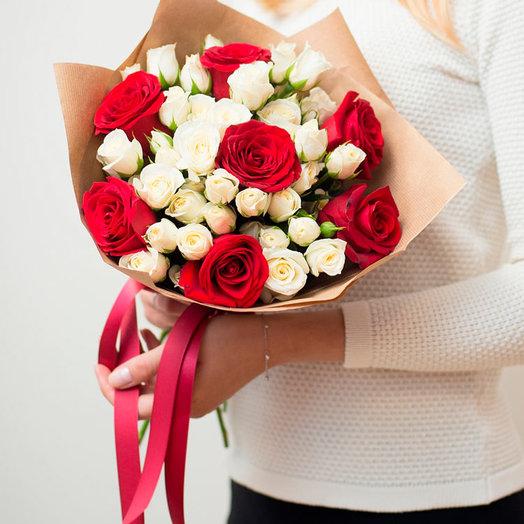 Букет роз Эквадор и кустовых роз
