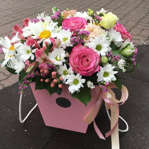 Коробка с цветами 1: букеты цветов на заказ Flowwow