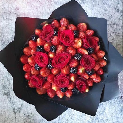 Клубничный букет «роза»: букеты цветов на заказ Flowwow