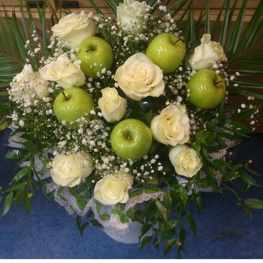Букет с яблоками: букеты цветов на заказ Flowwow