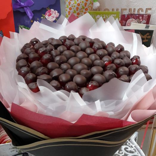 Черешня в шоколаде: букеты цветов на заказ Flowwow